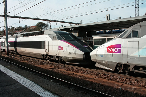 trains TGV SNCF France